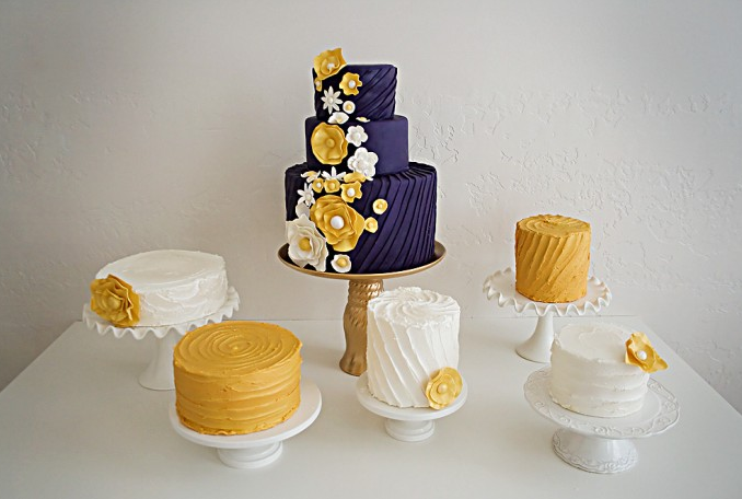 out this gorgeous navy blue and yellow wedding cake by Pink Peach Cakes